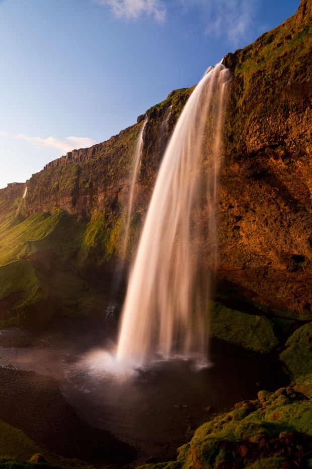 Iceland waterfall: Canon 5D mark II, 24-70 mm lens at 24 mm, f/16, Shutter speed .6, ISO 100. I used a polarizing filter. Smooth effect. © Jennifer Wu