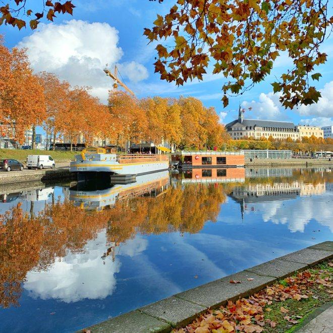 Balade le long du canal St Félix à Nantes pour profiter des couleurs d'automne
