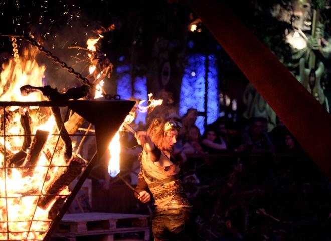 Avis sur le Hellfest 2019 : la pyrotechnie, les firedancers et autres jeux de flammes