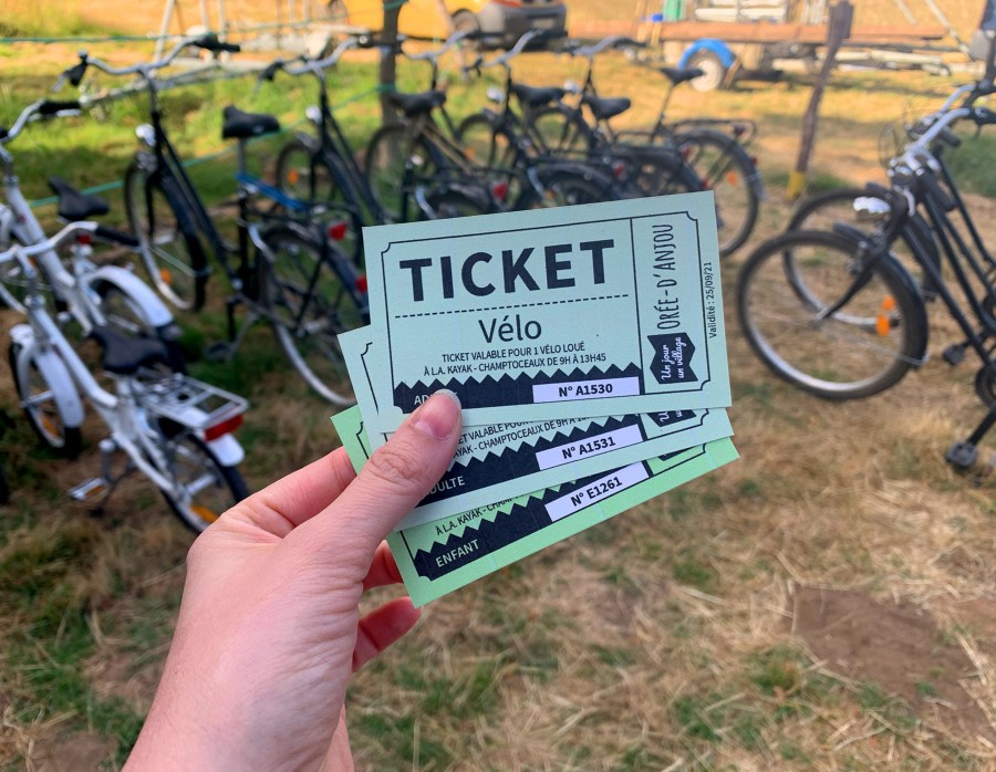 """Tickets pour une visite de l'Anjou à vélo avec la box """"Un jour, un village"""" Orée d'Anjou"""