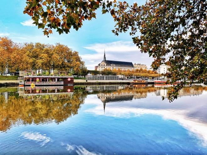 Le Canal St Félix en automne à Nantes