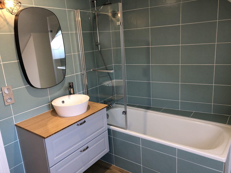 salle de bain sous toiture artisan