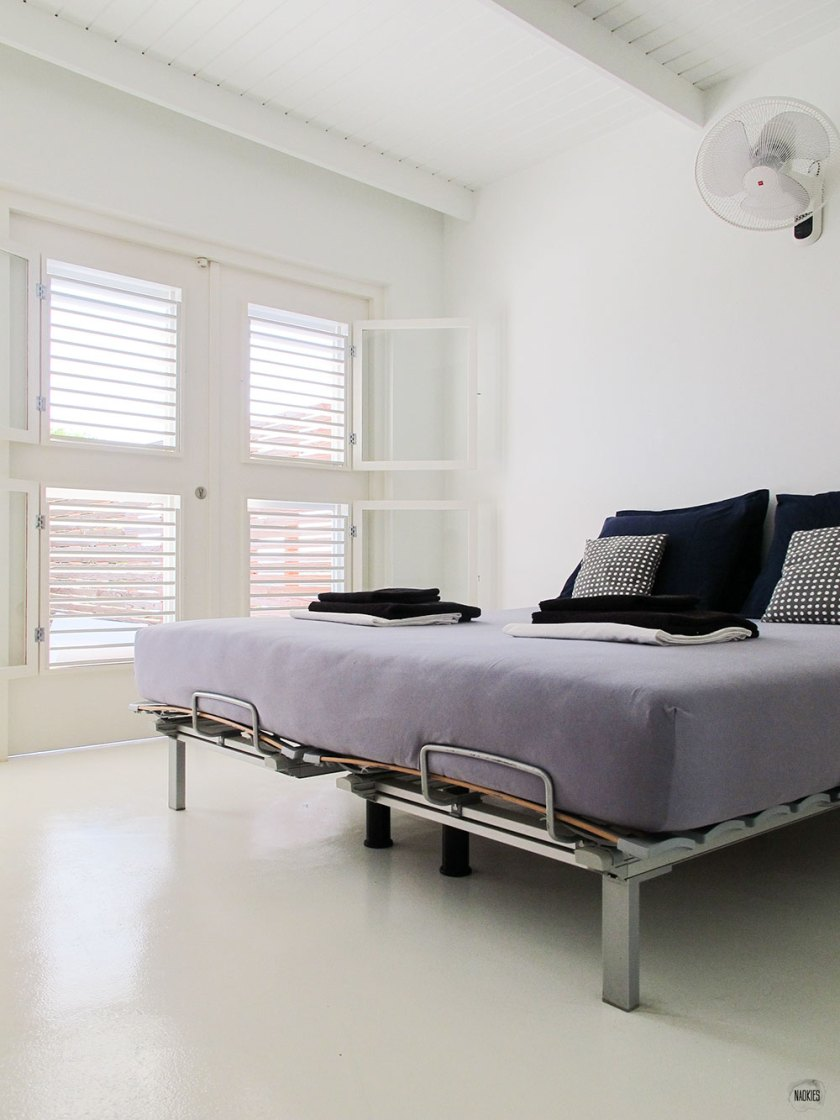 bed in slaapkamer Air BnB huis Curacao