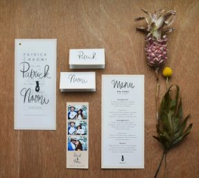 Flatlay wedding stationery Studio Naokies