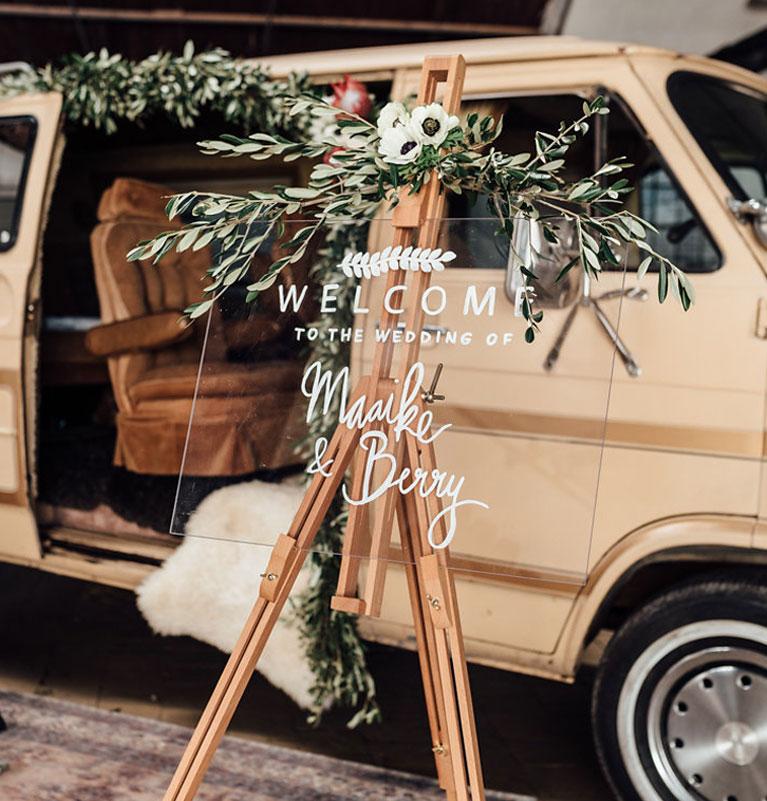 Customised Welcome bord bruiloft shoot handlettering tekst Studio Naokies