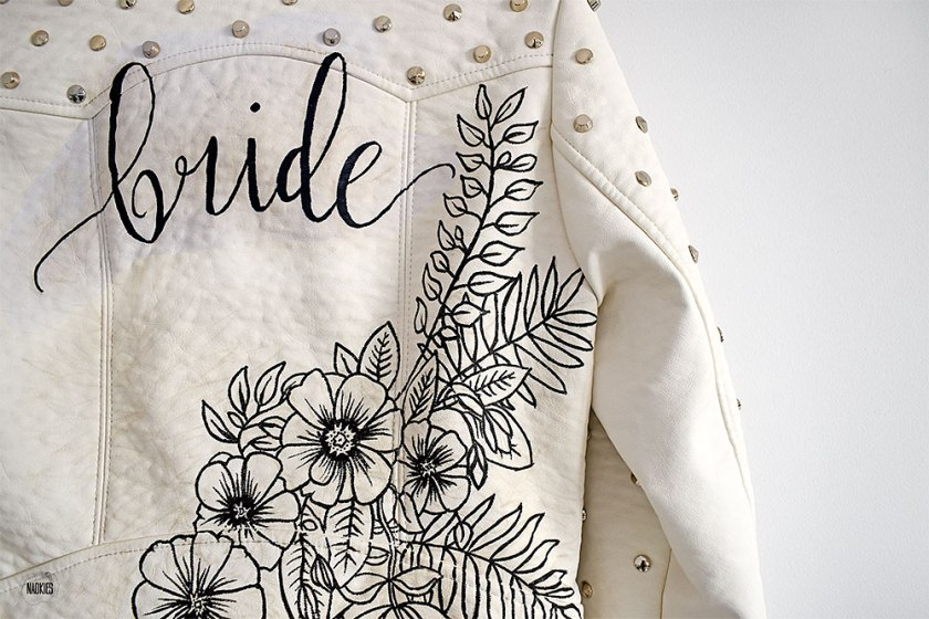 Customised leren jasje 'Bride' wit closeup floral studio Naokies