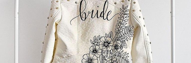 Customised leren jasje 'Bride' wit closeup artwork studio Naokies