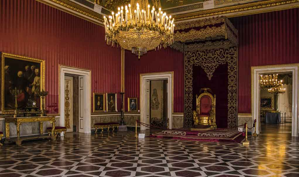 Palazzo Reale di Napoli , Sala del trono