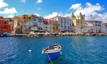 Ischia, la più grande tra le isole del celebre golfo di Napoli