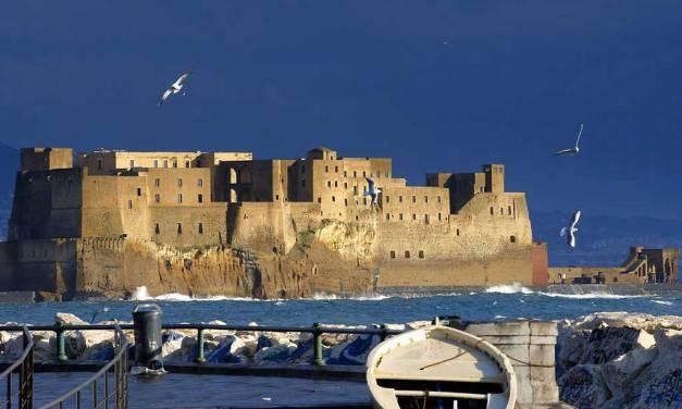 I Castelli di Napoli, le sentinelle di pietra a guardia della città