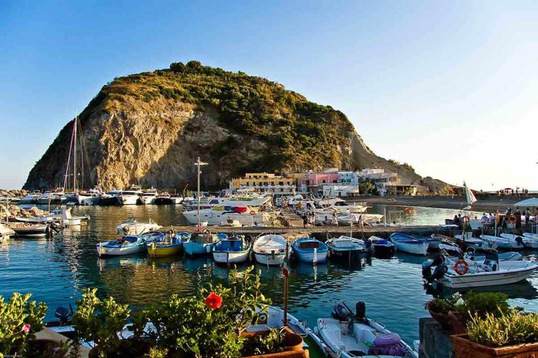 Ischia porto turistico Sant Angelo