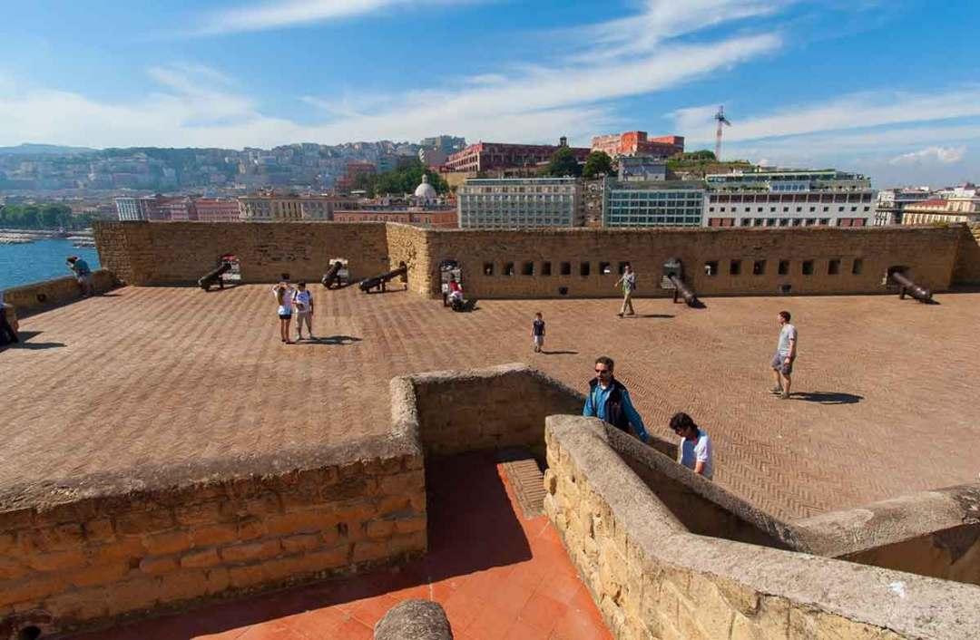 Terrazza del Castel dell'Ovo Napoli