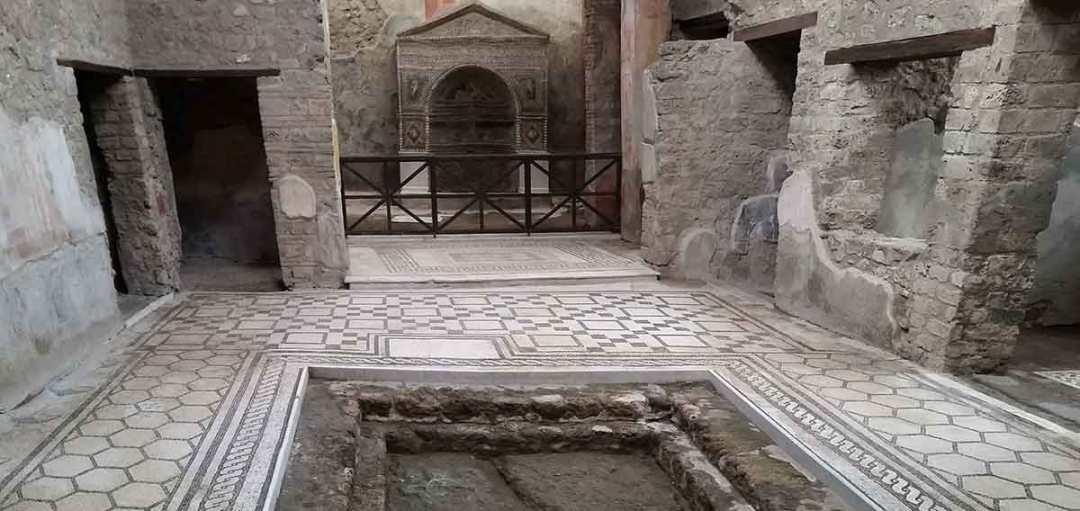 Pompei scavi: Casa dell'Orso ferito