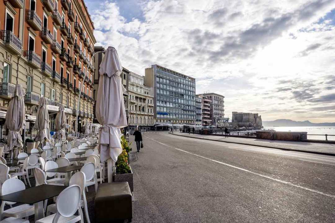 Sky Arte a Napoli: Lungomare