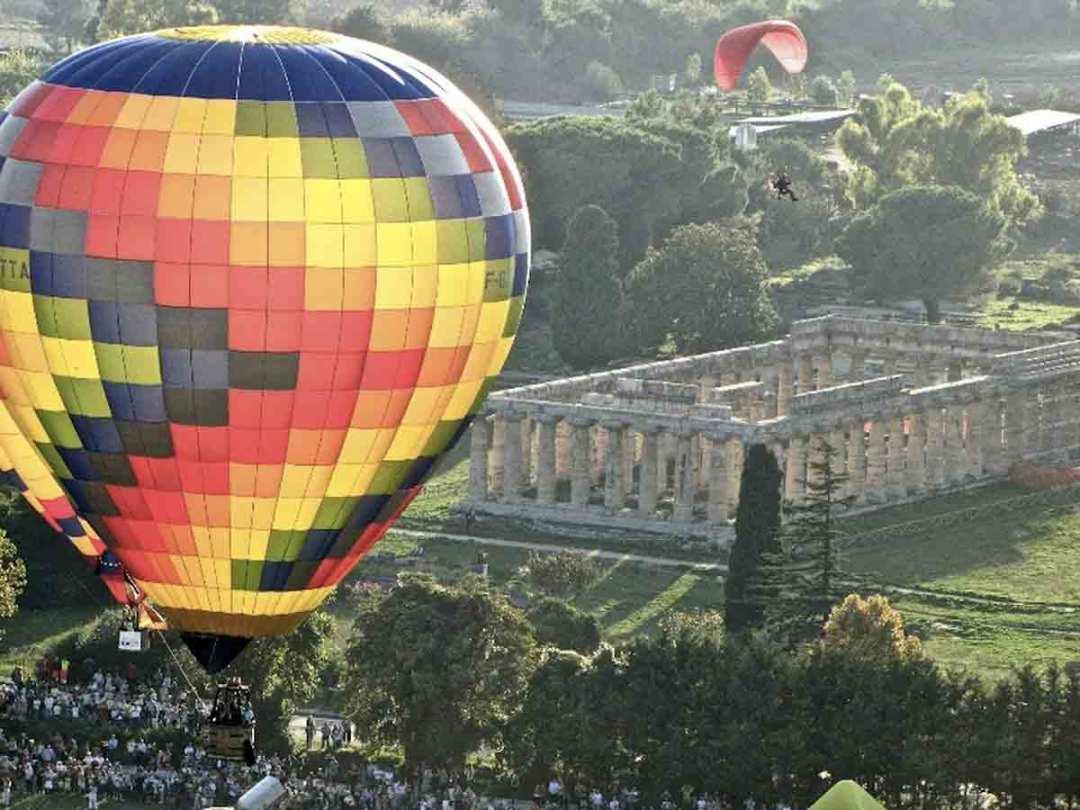Festival delle mongolfiere a Paestum