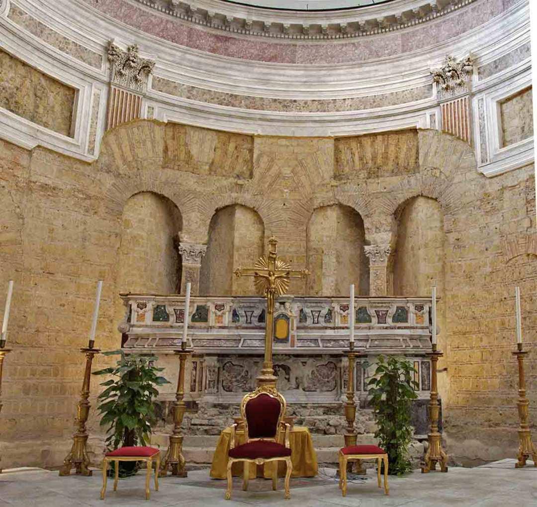 Basilica di San Giovanni Maggiore Altare