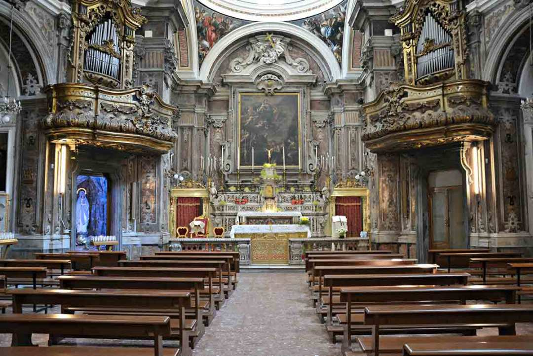 Chiesa di Santa Maria Egiziaca a Forcella interno