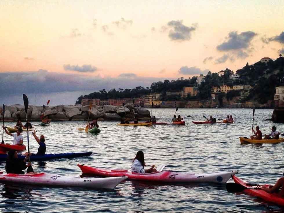 Kayak Napoli al tramonto