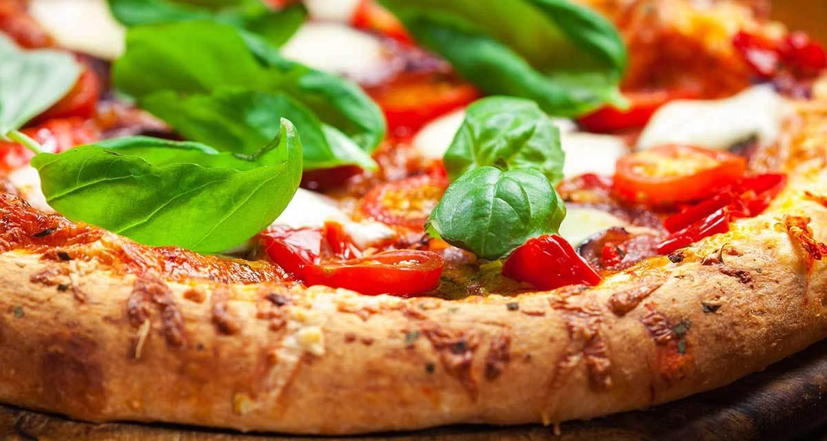 La Pizza napoletana, origini e sapori