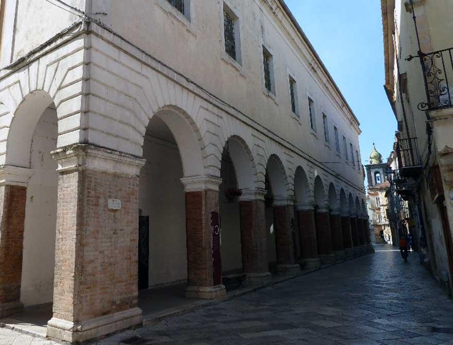 Sant'Agata dei Goti - Via Roma