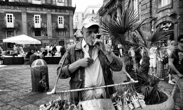 Quattro di Maggio a Napoli, il giorno dell'ammuinaper eccellenza