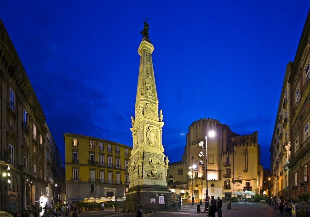 Napoli Obelisco San Domenico Maggiore