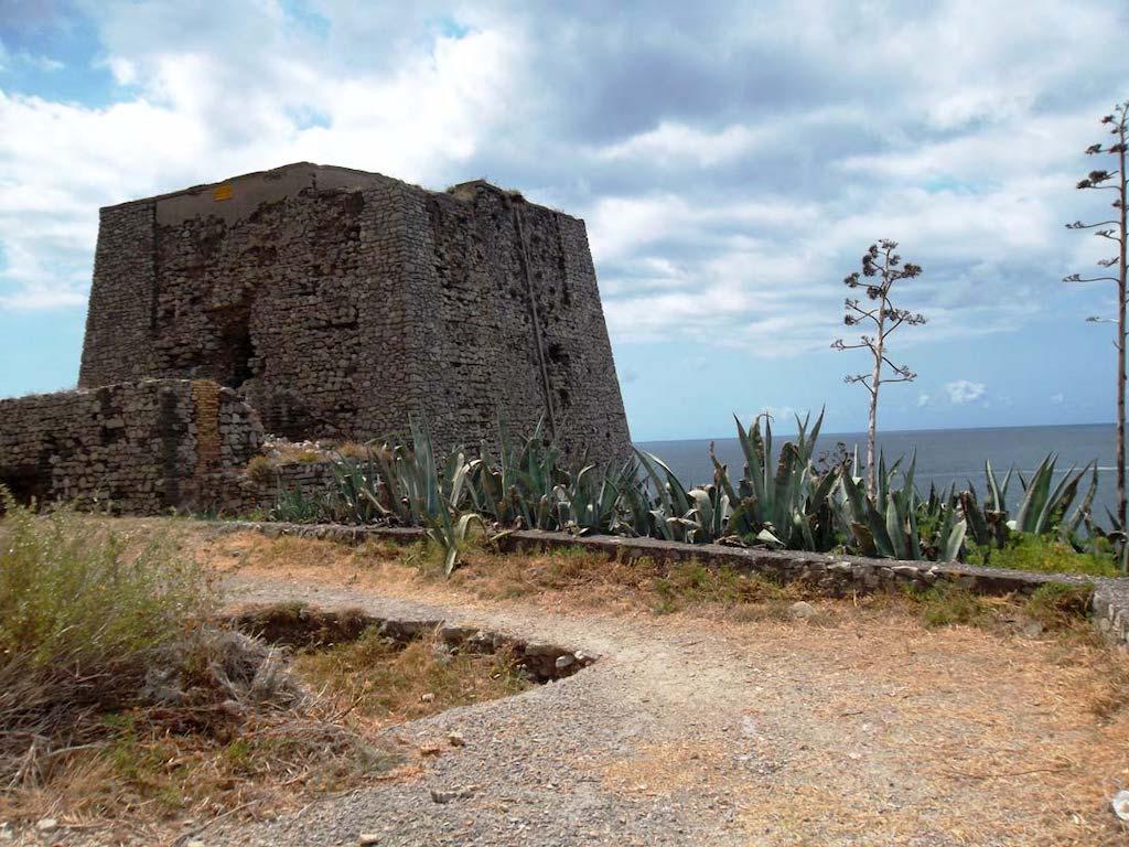 Punta Campanella Torre Minerva