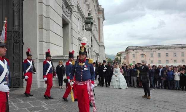 Rievocazione storica alla Reggia di Caserta con il cambio della Guardia Borbonica