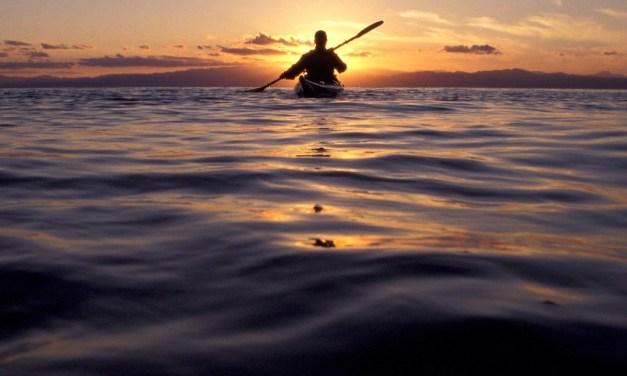 KayakMusic: tour in kayak al tramonto con aperitivo e musica dal vivo