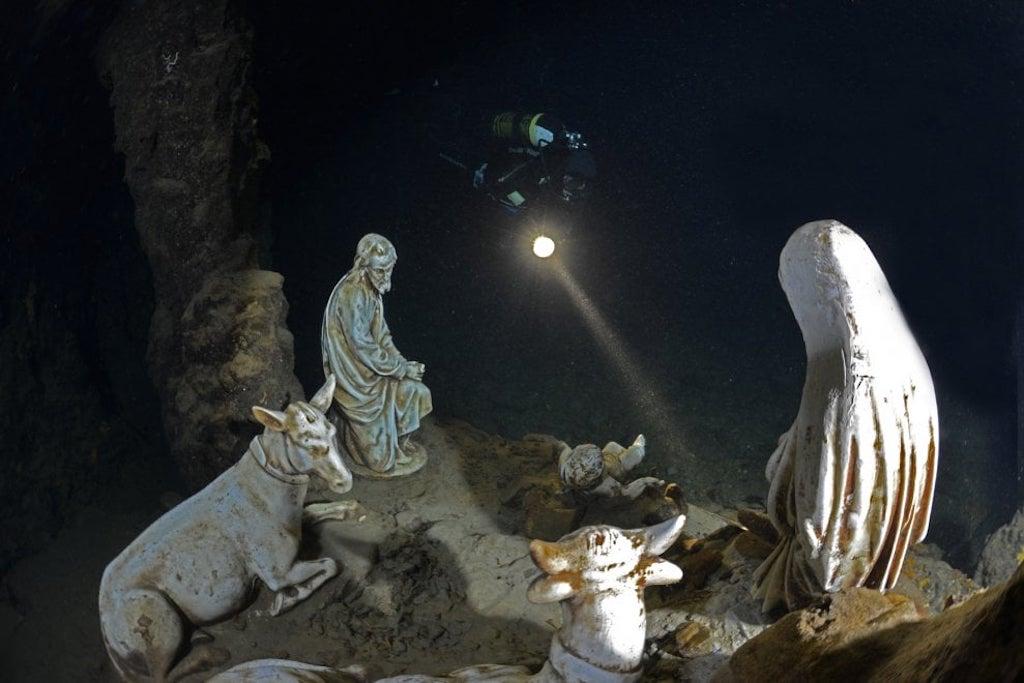 presepe subacqueo nella Grotta dello Smeraldo