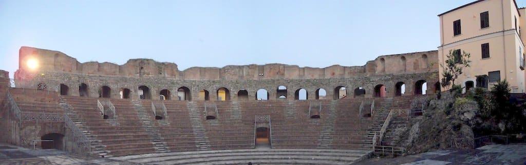 Teatro romano di Benevento 1