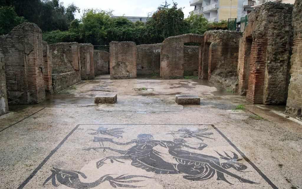 Visite guidate gratuite delle Terme Romane di Via Terracina a Napoli
