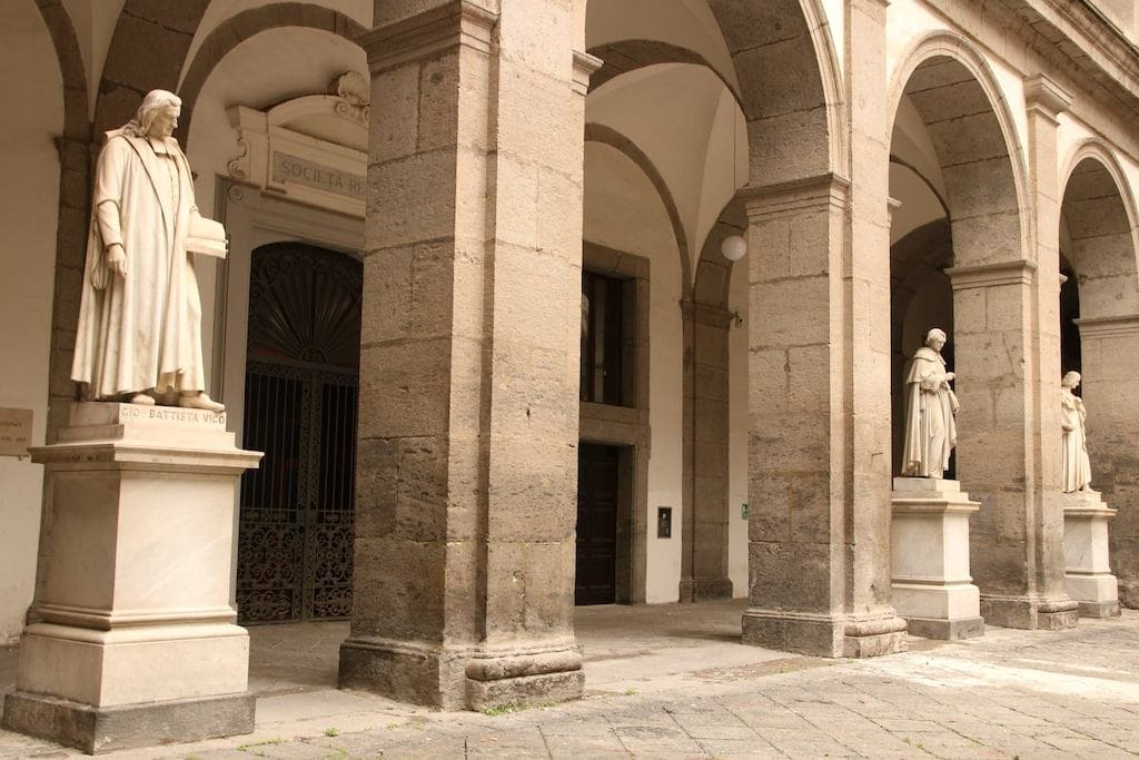 Biblioteca Universitaria Napoli