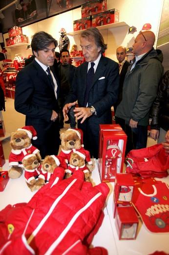 nuovo negozio Ferrari pit stop a Nola (3)