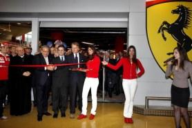 nuovo negozio Ferrari pit stop a Nola