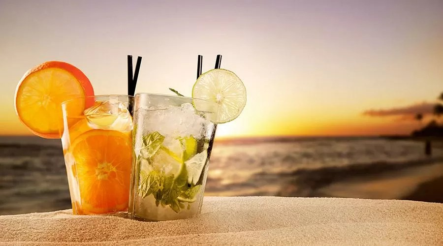 Aperitivi in spiaggia a Napoli e provincia  I 5 migliori