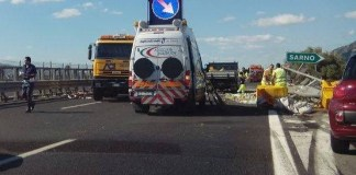 Incidente stradale: auto travolta nella piazzola di sosta