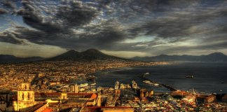 Meteo Napoli, domenica di maltempo ma il caldo persiste
