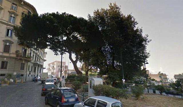 Tentato suicidio Vomero oggi, via Aniello Falcone