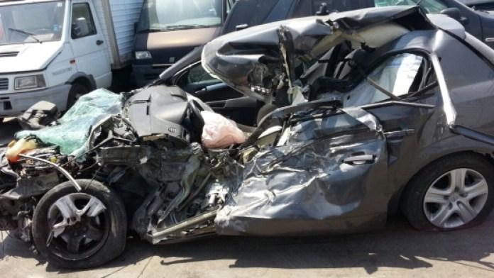 Terribile incidente stradale a Pozzuoli: una vittima