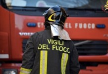 Grave incendio: nube tossica si leva vicino al Loreto Mare
