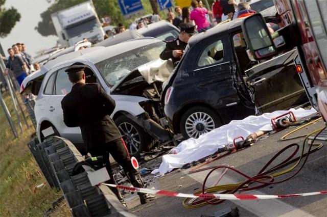 Incidente stradale a Giugliano: morto il cognato del sindaco
