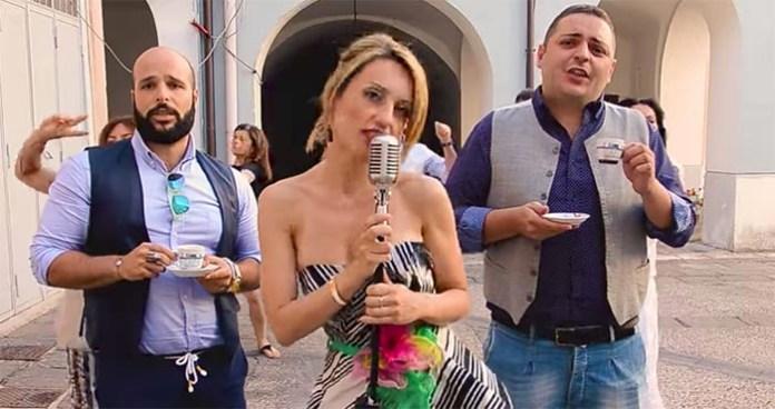 """Parodia """"Siamo l'esercito del selfie"""" di Marco e Fabiano (VIDEO)"""