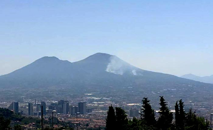 Incendi sul Vesuvio: nuova giornata nera ⋆ Napoli.ZON