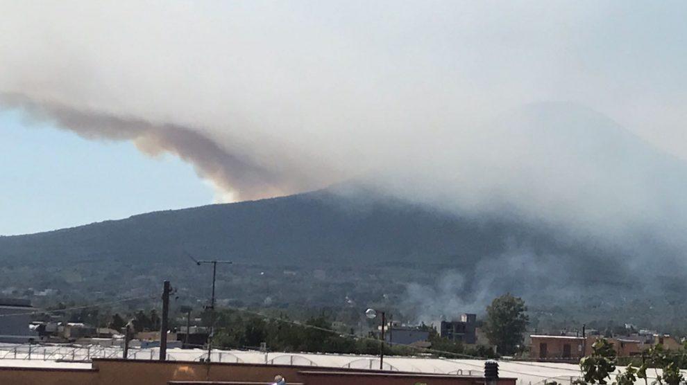 Allarme: il Vesuvio brucia! Fermiamo i piromani