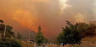Incendio sul Vesuvio: le frane un'altra grave conseguenza