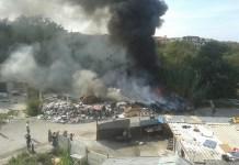 Scampia, roghi spaventosi nei campi rom: situazione di degrado