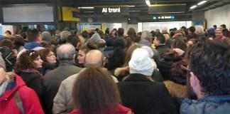 Metro Linea 1, giornata nera: trasporto pubblico in tilt