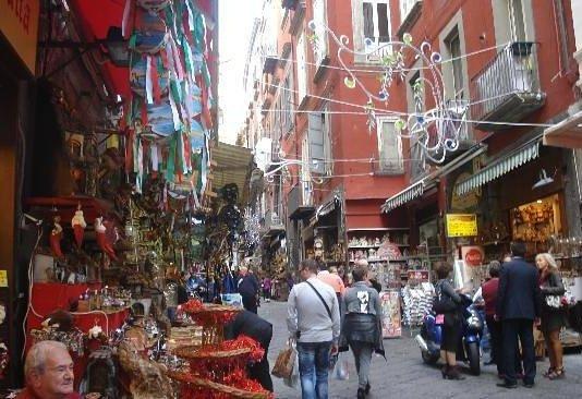 The Guardian Shoppig Natalizio Napoli