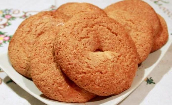 Ricetta dei taralli dolci napoletani: le friabili ciambelline della nonna